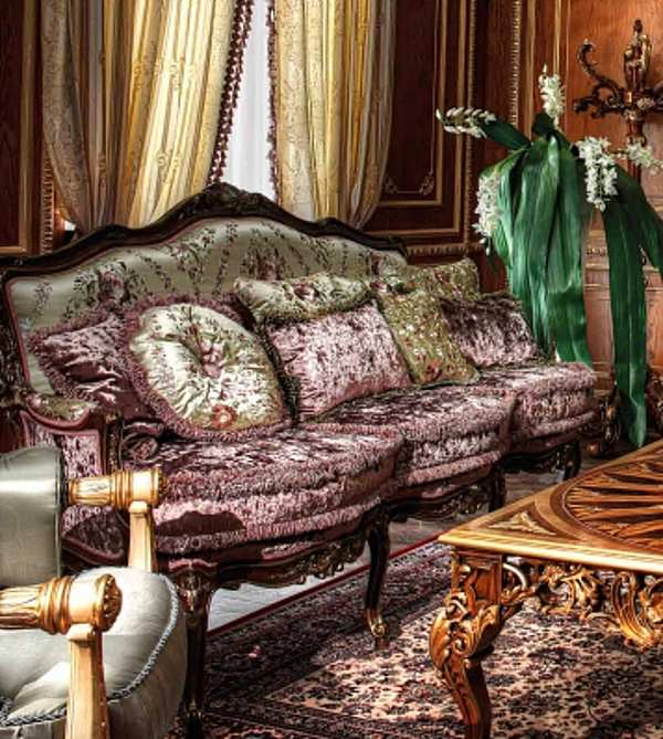 Диван ASNAGHI INTERIORS New classic collection IT2403
